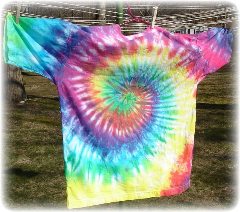 How To Tie Dye White Shirts